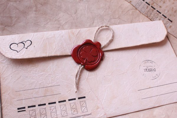 Старинный конверт с печатью и шнурком
